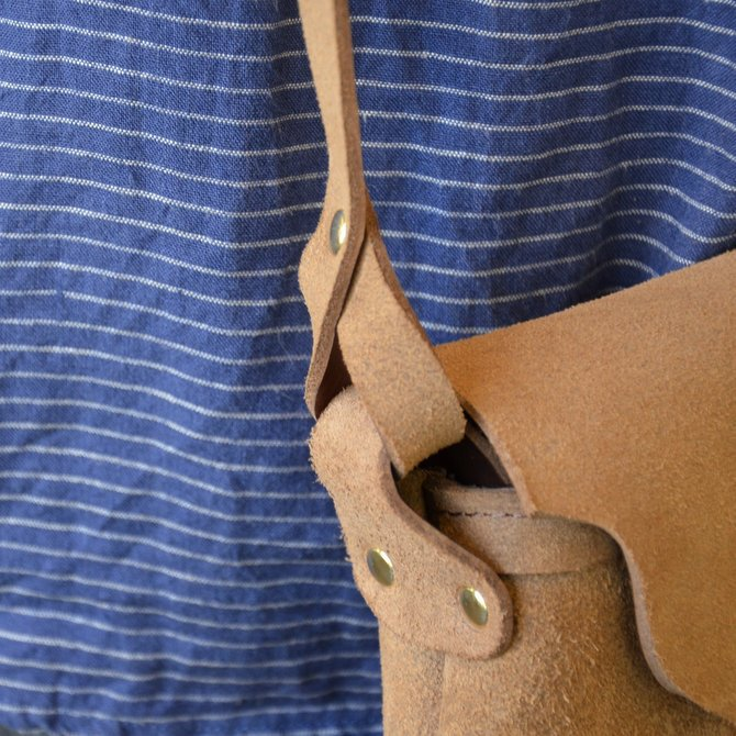 FERNAND LEATHER(フェルナンド・レザー) Horizontal  Latch Pouch M-BEIGE SUEDE-(8)