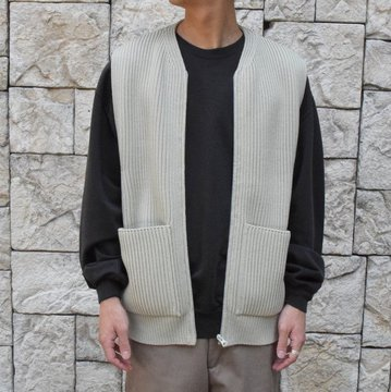 【30% OFF SALE】【2019AW】 AURALEE(オーラリー)/SUPER FINE WOOL RIB KNIT ZIP VEST #A9AV03RK-GRN