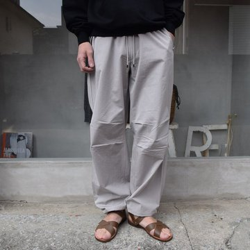 AURALEE(オーラリー)/ WASHED FINX RIPSTOP CHAMBRAY FIELD PANTS
