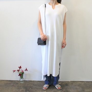 Graphpaper(グラフペーパー)【20 SS】Waffle Slit Neck Sleeveless Dress(2色展開)_GL201-70133B【K】