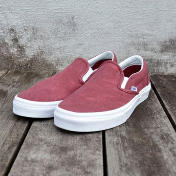【30% off sale】VANS(バンズ) Classic Slip-On -2色展開-