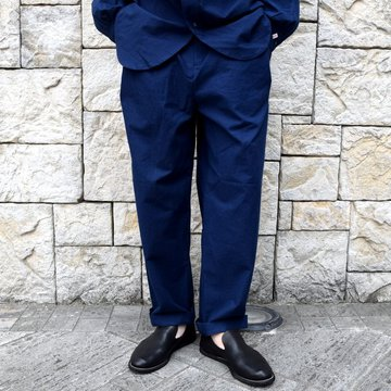 【2020 SS】FRANK LEDER(フランクリーダー)/ BALTIC BLUE DYED VINTAGE BEDSHEET 2TUCK TROUSERS -BLUE- #0913029-39