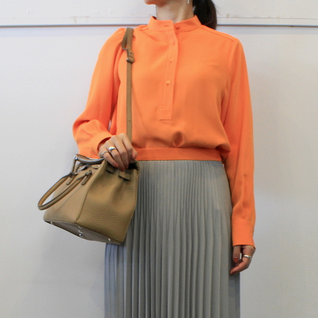 Graphpaper(グラフペーパー)【20 AW】Satin Band Collar Blouse (ORANGE)_GL203-50034【K】(1)