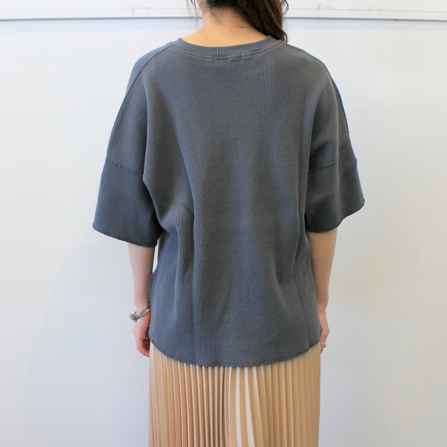 Graphpaper(グラフペーパー)【20 SS】Waffle S/S Slit Neck Tee(2色展開)_GL201-70130B【K】(3)