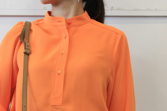 【30% off sale】(グラフペーパー)【20 AW】Satin Band Collar Blouse (ORANGE)_GL203-50034【K】(4)