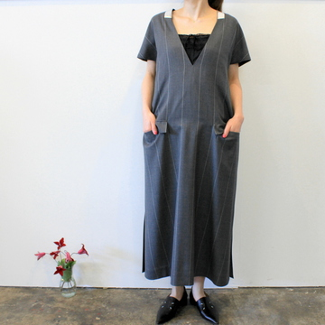 【30% off sale】Graphpaper(グラフペーパー)【20 SS】Wide Stripe Wool V Neck Dress_GL201-60010【K】