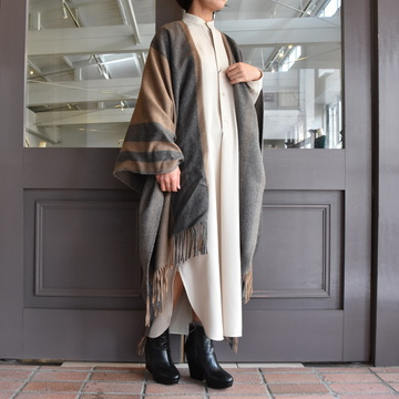 YLÉVE(イレーヴ)  THE INOUE BROTHERS DOBULE FACED BRUSHED PONCHO #168-0275101